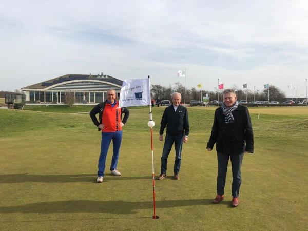 Dirk van der Steen sponsor van Golfclub Heiloo