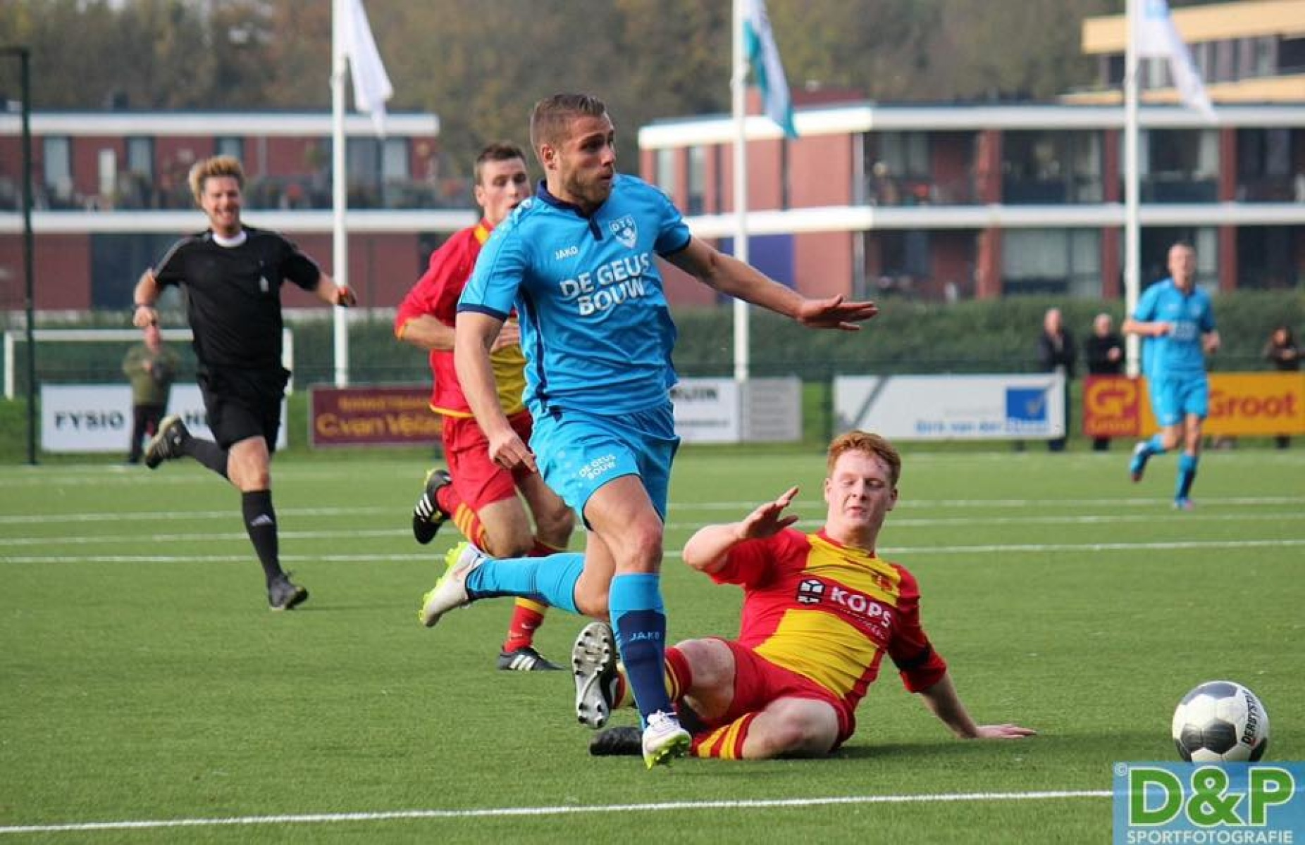 Autobedrijf Dirk van der Steen sponsort FC Castricum-thumb